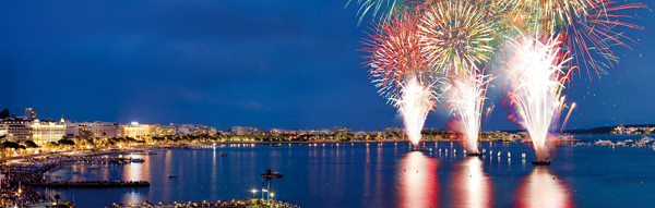 France-Cannes-Festival-Pyrotechnique