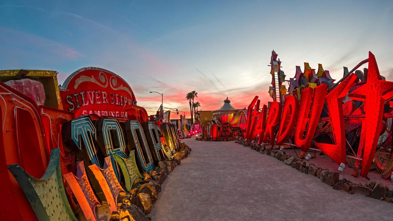 the-neon-museum