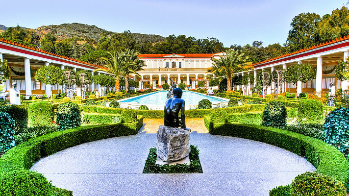 getty-villa-courtyard